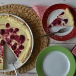 Snadný a rychlý tvarohový koláč s malinami