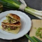 Rychlý sendvič: Koriandrový naan s tuňákem