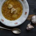 Poctivá silná česnečka s brambory a špekem