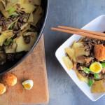 Asijská pánev s masem a křupavými křepelčími vajíčky