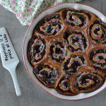 Třešňový rolovaný koláč s tvarohem a mákem
