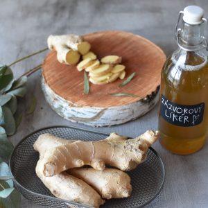 Voňavý zázvorový likér s kořením a pomeranči