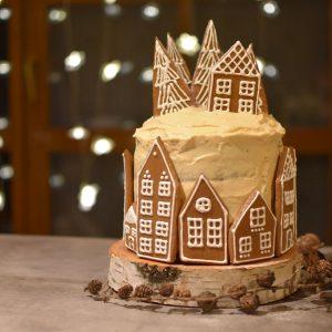 Vánoční dort s perníčky a karamelovým krémem